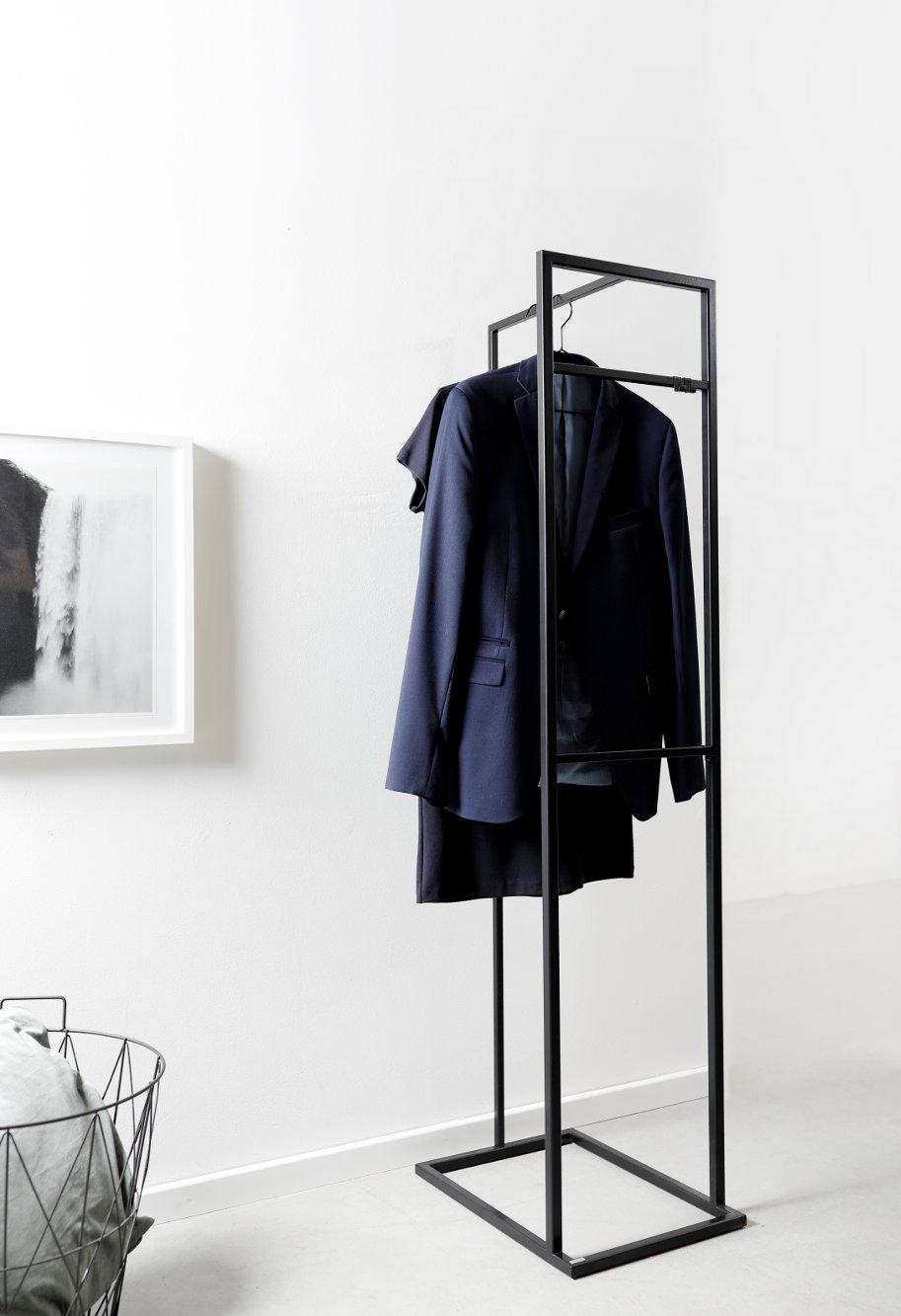 exklusive stumme diener herrendiener goldau noelle manufaktur. Black Bedroom Furniture Sets. Home Design Ideas